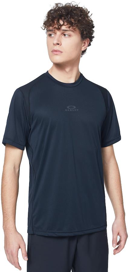 Oakley Foundational Training Short Sleeve Sports T-Shirt, M Blackout